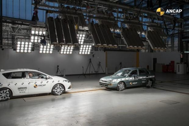 Toyota Corolla 2015 ve 1998 modeliyle farkını gösterdi - Page 3