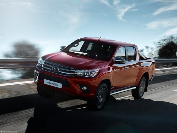 Toyota Hilux (2016) - Page 2