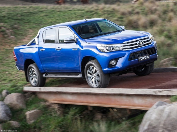 Toyota Hilux (2016) - Page 3