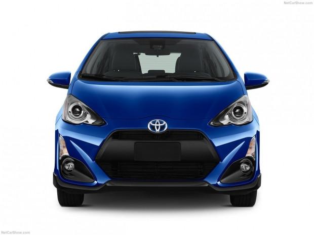 Toyota Prius c 2017 - Page 2