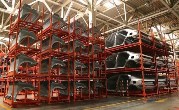 Toyota Türkiye fabrikasında 105 saniyede bir araç yapılıyor - Page 1