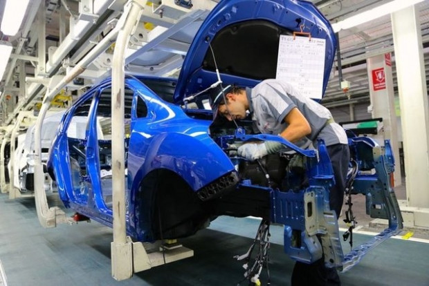 Toyota Türkiye fabrikasında 105 saniyede bir araç yapılıyor - Page 4
