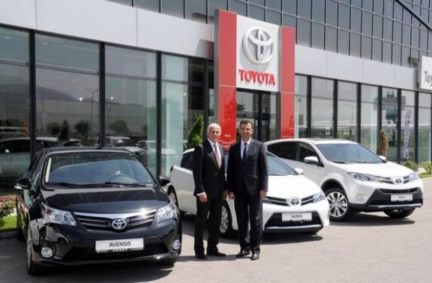 Toyota yepyeni modellerini tanıttı! - Page 2