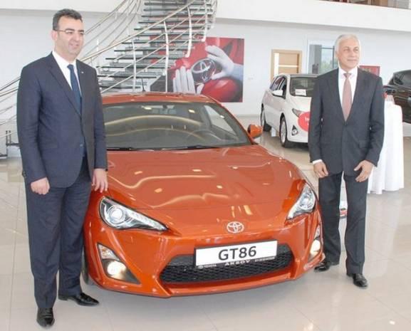 Toyota yepyeni modellerini tanıttı! - Page 3