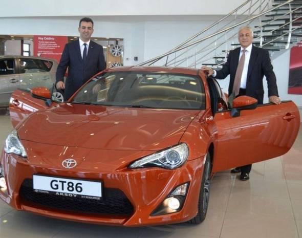 Toyota yepyeni modellerini tanıttı! - Page 4