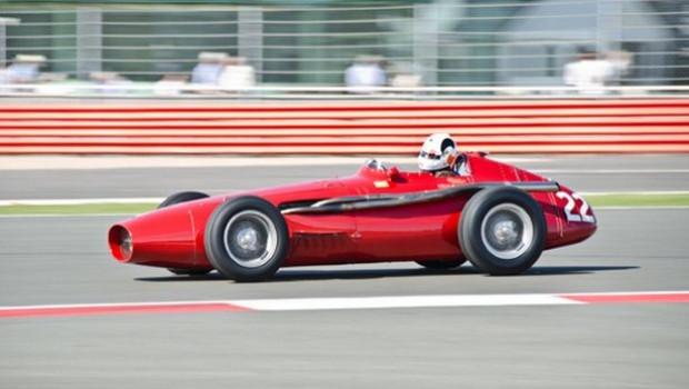 Tüm zamanların en iyi F1 araçları! - Page 1