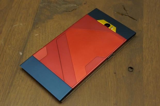 Turing Phone'un renk ve model seçenekleri - Page 4