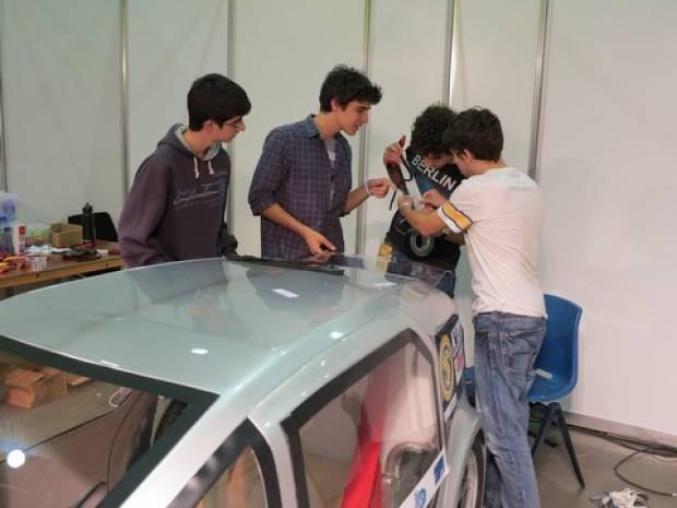 Türk öğrenciler elektrikli araba yaptı! - Page 4