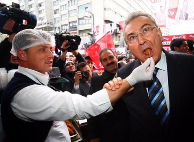 Türk ve dünya siyasetinin unutulmayacak o anları - Page 1