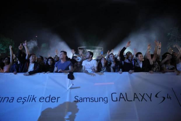 Türkiye'de Galaxy S4 ile 4 dörtlük bir gece - Page 1