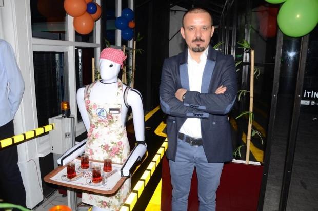Türkiye'nin ilk garson robotu! - Page 3