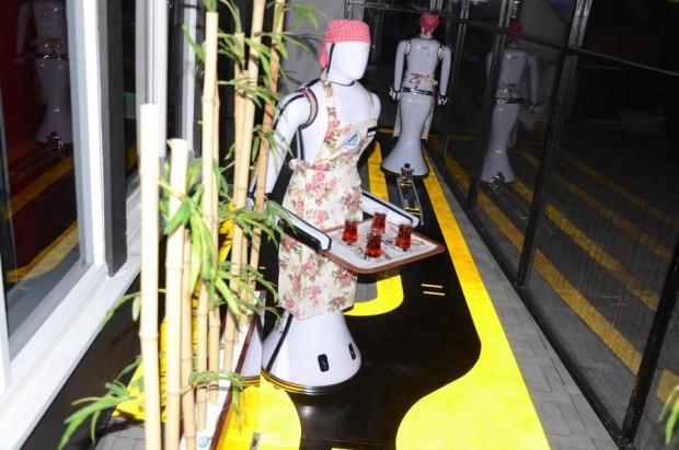 Türkiye'nin ilk garson robotu! - Page 4