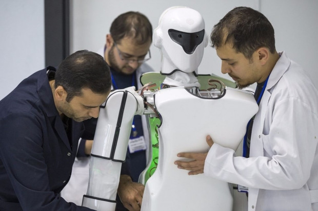 Türkiye'nin ilk robot fabrikası açıldı - Page 2