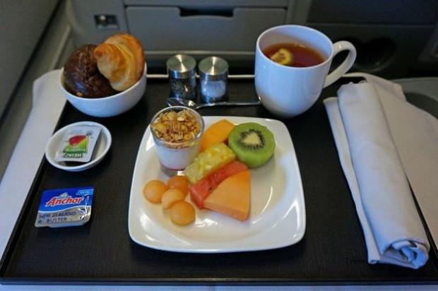 Uçak yemeklerinin tadı neden kötüdür? - Page 1