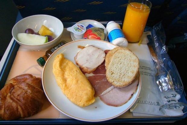 Uçak yemeklerinin tadı neden kötüdür? - Page 2