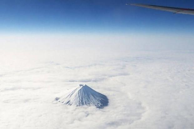 Uçaklarda cam kenarında seyahat eden yolcular tarafından çekilmiş 21 manzara fotoğrafı - Page 4