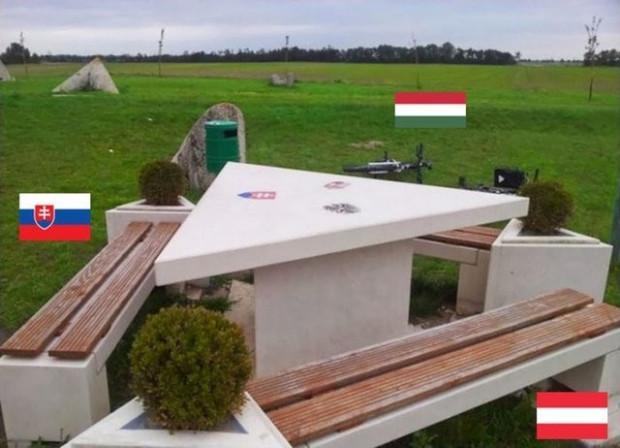 Ülkeleri birbirinden ayıran en ilginç sınır çizgileri - Page 2