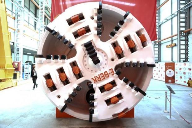 Türkiye'nin ilk yerli tünel açma makinesi tanıtıldı - Page 1