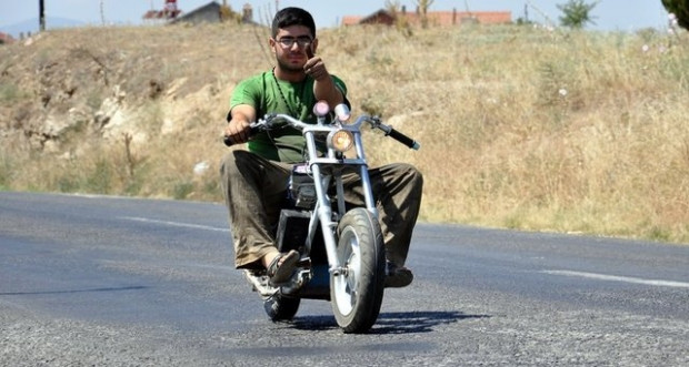 Uşak'lı mucit bakın motorsikletine ne yaptı? - Page 1