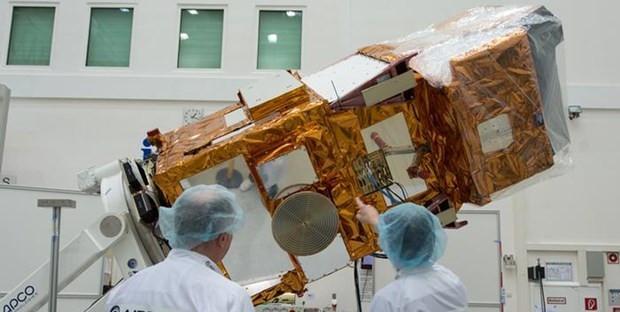 Uydular dünyayı nasıl keşfediyor? - Page 2