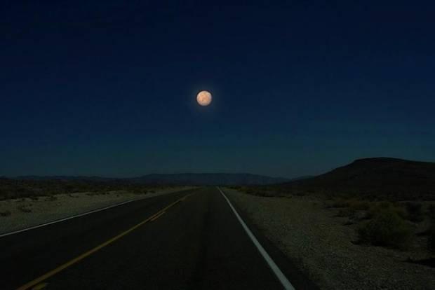Uydumuz Ay'ın yerine başka gezegenler olsaydı! - Page 1
