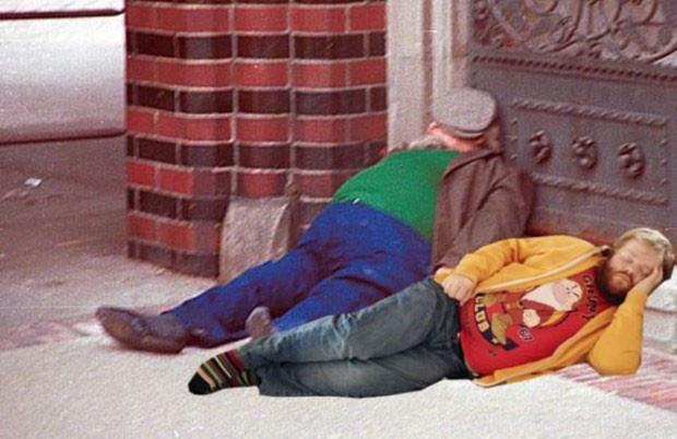 Uyuyakalan adamı photoshopla rezil ettiler - Page 1