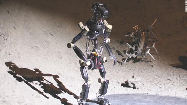 Uzaya gönderilecek robot maymunlar - Page 3