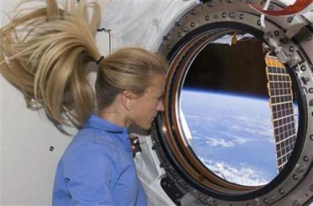 Uzay'da astronotlar nasıl yaşar? - Page 4