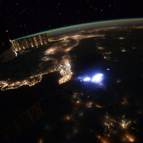 Uzayda bir yılı deviren Scott Kelly'nin objektifinden gezegenimiz - Page 2