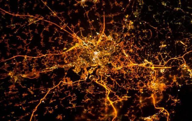 Dünya uzaydan böyle gözüküyor - Page 3