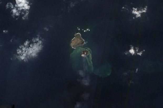 Volkanik ada böyle yok oldu! - Page 2