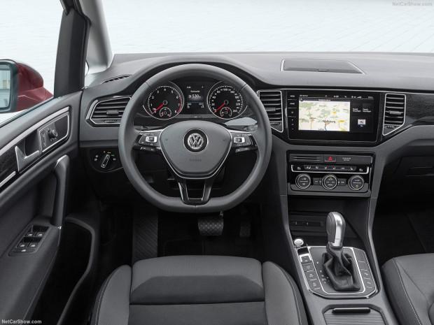 Volkswagen Golf Sportsvan 2018 - Page 2