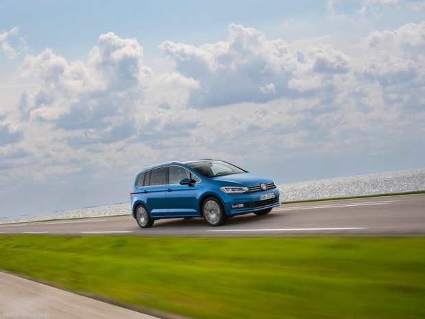 Volkswagen Touran 2016 - Page 1