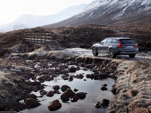 Volvo V90 Cross Country 2017 - Page 3