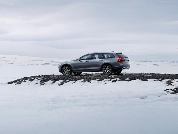 Volvo V90 Cross Country 2017 - Page 4
