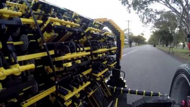 Yaklaşık 500 bin Lego parçasından otomobil yapıldı! - Page 3