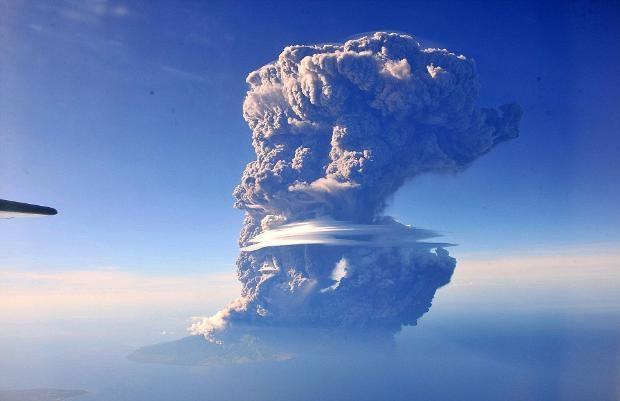 Yanardağ patlaması canlı canlı görüntülendi! - Page 1