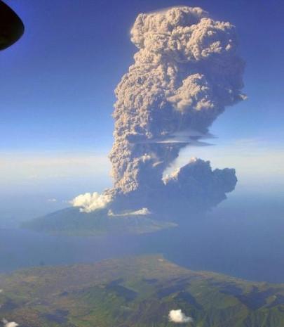 Yanardağ patlaması canlı canlı görüntülendi! - Page 2