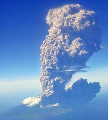Yanardağ patlaması canlı canlı görüntülendi! - Page 3