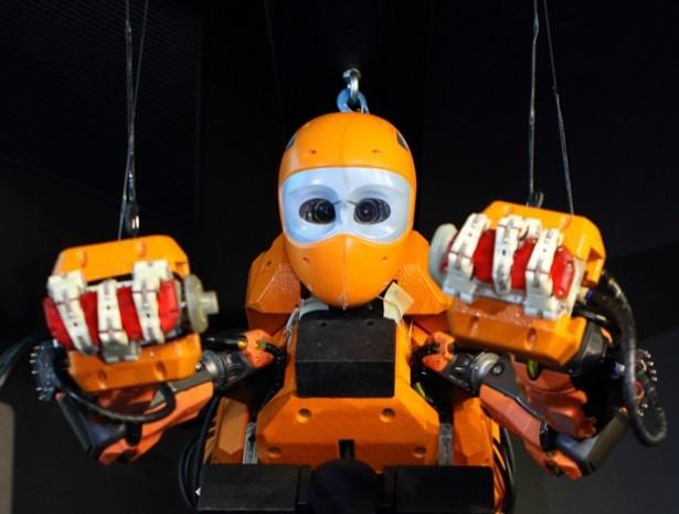 Yapay zekalı dalgıç robot Ocean One - Page 4