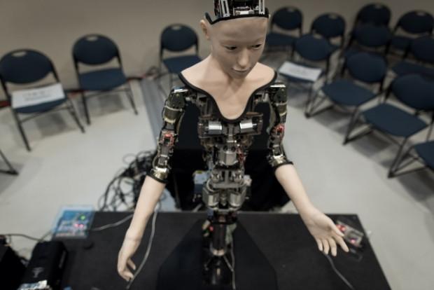 Yapay zekaya sahip robot sergilendi - Page 2