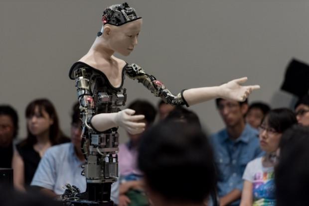 Yapay zekaya sahip robot sergilendi - Page 4