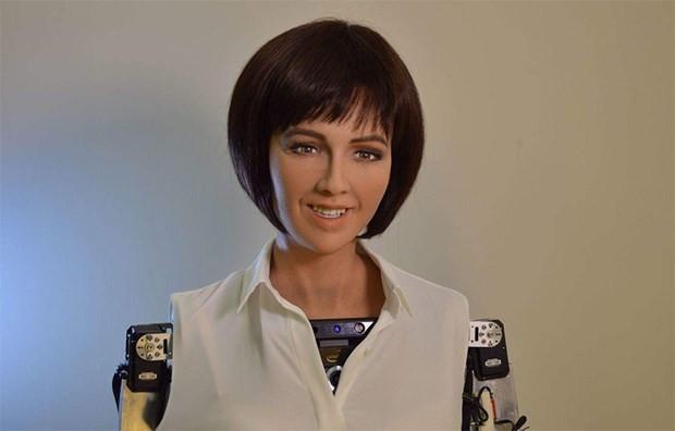 Yapay zekaya sahip ve insana en çok benzeyen bir robot - Page 2