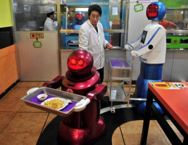 Yemek yapan robot! - Page 1