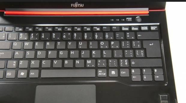 Yeni Fujitsu Lifebook Ultrabook - Page 1