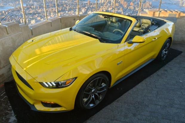 Yeni Mustang Convertible New York'da tanıtıldı! - Page 2