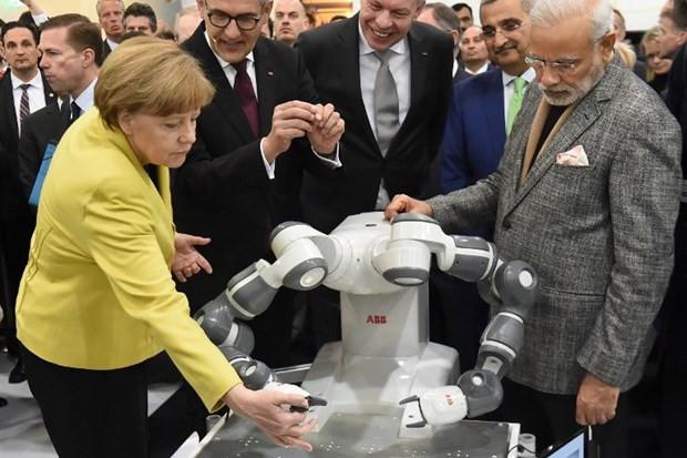 Yeni nesil robotlar sergilendi - Page 2