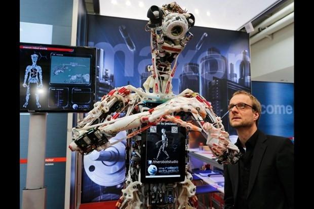 Yeni nesil robotlar sergilendi - Page 4