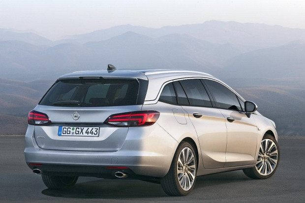 Yeni Opel Astra Sports Tourer - Page 1