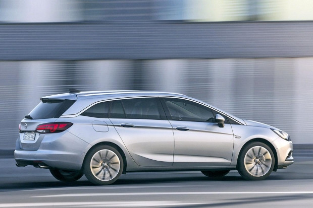 Yeni Opel Astra Sports Tourer - Page 3